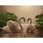 Любовь (лебеди), 40х50см от Идейка
