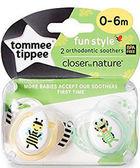 Ортодонтическая пустышка Веселые друзья пчелка и лягушка, 0-6 месяцев (2 штуки), Tommee Tippee, желтая(пчелка) и салат.(лягушка) от Tommee Tippee(Томми Типпи)