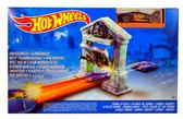 Трек Атака Зомби, серии Гонки в городе, Hot Wheels, Mattel, атака зомби
